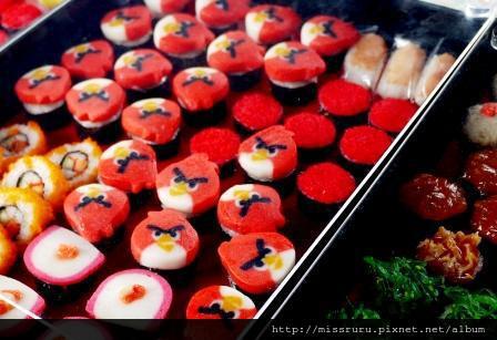 安帕瓦水上市場-憤怒鳥魚板壽司