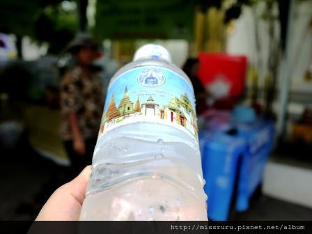 臥佛寺-門票可換一瓶水