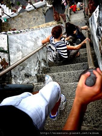 鄭王廟-第二層樓梯應該有75度角