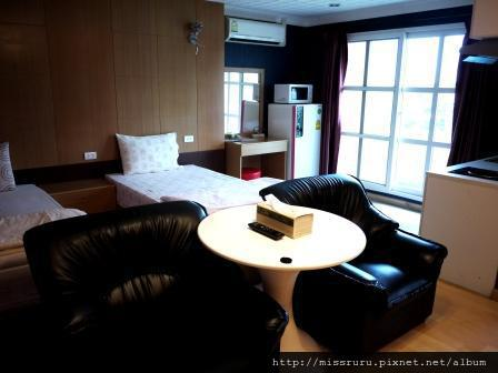 BKK-3F TWIN-Bed&sofa