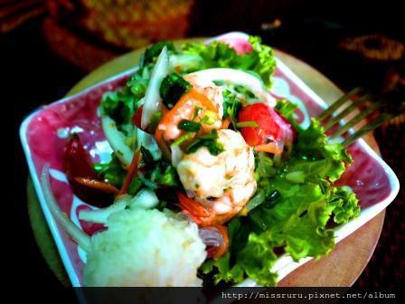 學泰國料理-第三道老師做的鮮蝦麵條佐糯米飯糰沙拉2