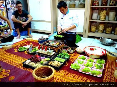 學泰國料理-第三道老師做的鮮蝦麵條佐糯米飯糰沙拉