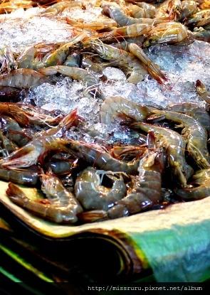 學泰國料理-挑蝦子要挑尾巴彎彎的