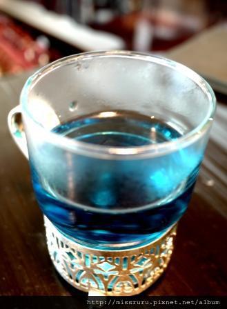 ERAWAN下午茶-茶壺打開她就會協助回沖-二泡變藍色