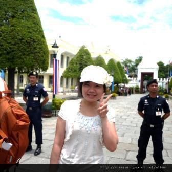 再次前往大皇宮-聽說有皇室人員要經過-就被趕了