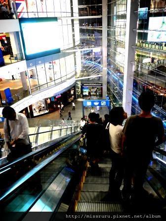 Terminal 21-好長的手扶梯