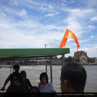 回程在9號碼頭坐到橘旗只要15B