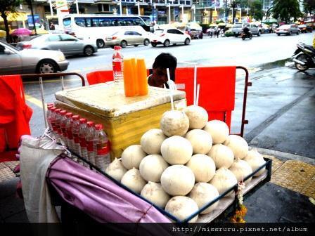路邊橘子水與椰子汁