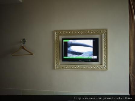 華麗海景酒店-牆面電視與衣架(無衣櫃)