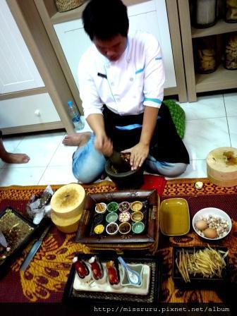 學泰國料理-製作咖哩PASTE