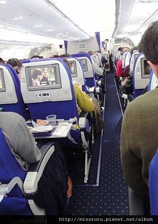 巴黎飛上海飛機也是很新