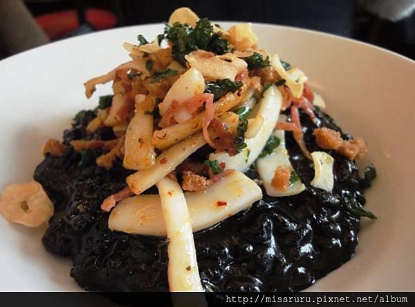 DAY4-中餐-LA REGALADE-墨魚海鮮燉飯