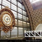 偷拍的原車站時鐘-很難想像這個漂亮的車站原本要被拆掉