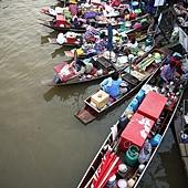 安帕瓦水上市場船販