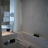 SOFITELSO-BATH.JPG