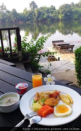R桂河畔早餐2.jpg