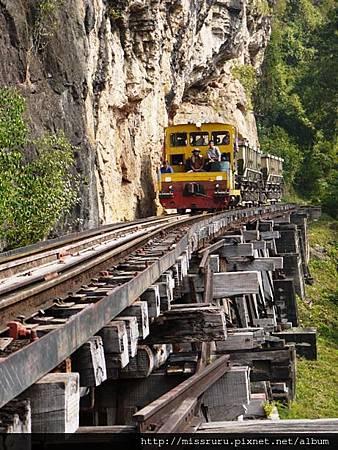 火車慢飛.JPG