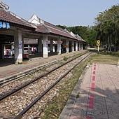 等火車中.JPG