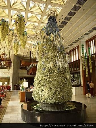 大廳的聖誕樹.JPG