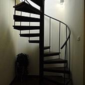 爬上樓梯.JPG