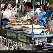 ONNUT站的烤香蕉攤販.JPG