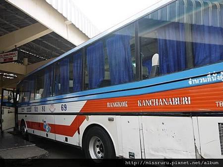 北碧往曼谷的巴士.JPG