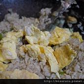 綠咖哩炒飯-最後加上蛋.JPG