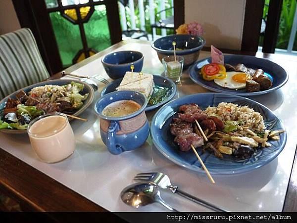第三天泰北風味早餐2.JPG
