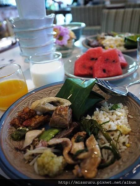 泰北風味早餐2.JPG