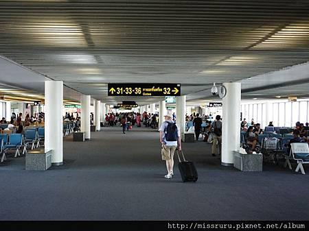 廊曼機場-候機室.JPG