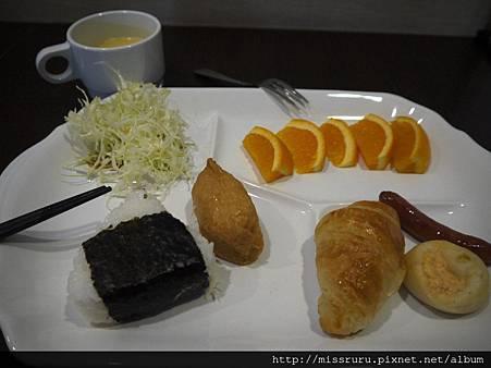 飯店免費早餐.JPG