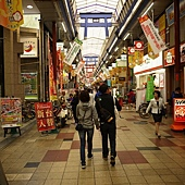 好長的商店街.JPG