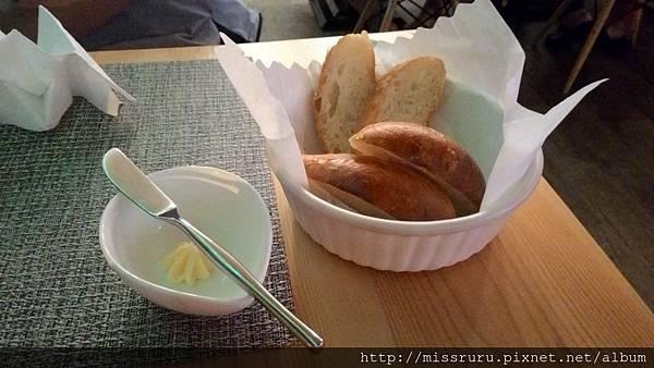 手工自製麵包.jpg
