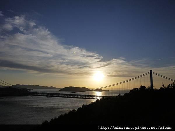 夕陽又距離水平面更近了.JPG
