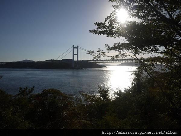 車上看到的瀨戶大橋.JPG