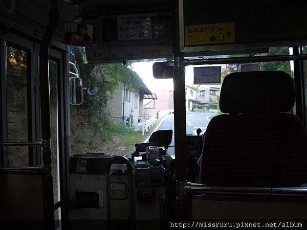 鷲羽山賞夕陽公車-前進.JPG