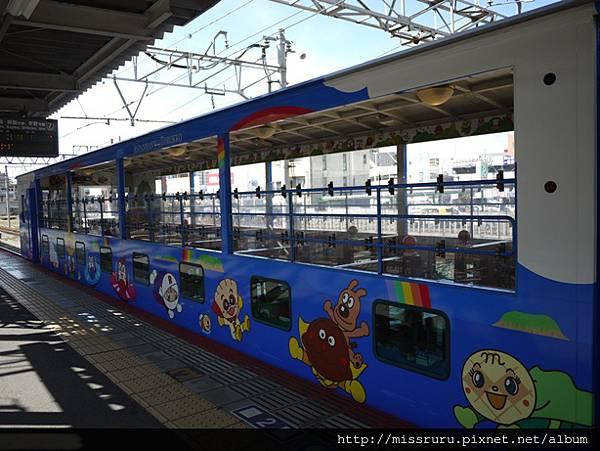 麵包超人小火車-後段車廂.JPG