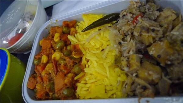 居然是印度餐!道地的不得了,連米都不一樣,好吃!