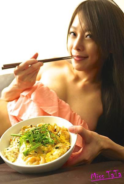 0504_親子丼上菜1