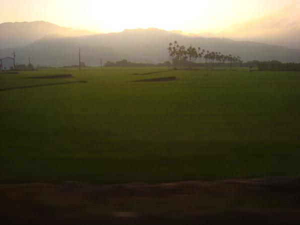 火車上的日出