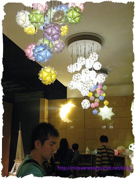 美麗的燈.JPG