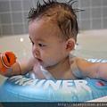20120712咚咚浴缸游泳初體驗 (50)