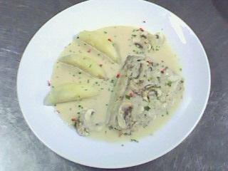 西餐-奶油洋菇鱸魚排附香芹馬玲薯 (3).jpg
