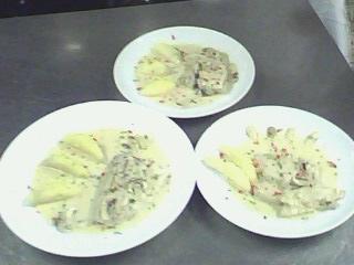 西餐-奶油洋菇鱸魚排附香芹馬玲薯 (6).jpg
