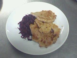 西餐-煎豬排附悶紫高麗菜.jpg