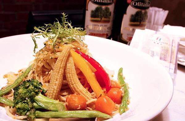 香蒜庭園蔬菜義大利麵