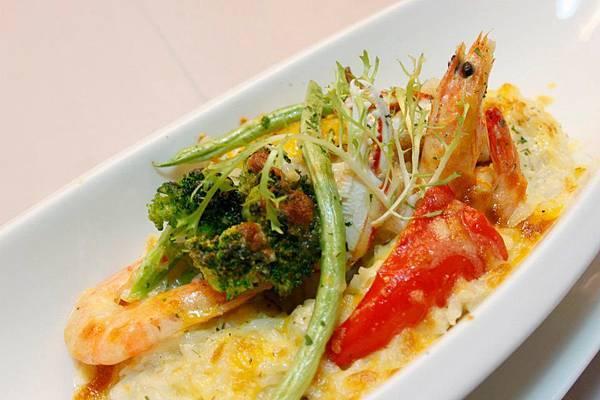 焗烤地中海海鮮燉飯 3