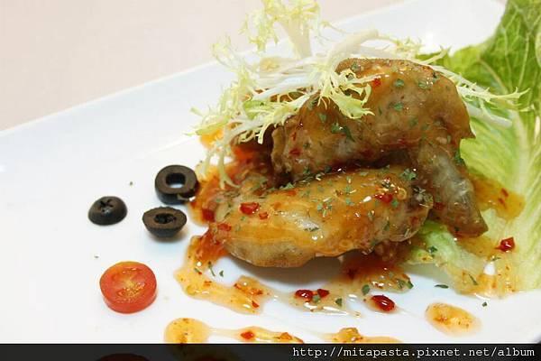 酥炸雞翅佐泰式酸辣醬2