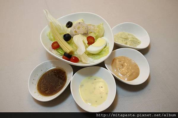 生菜沙拉with sauce