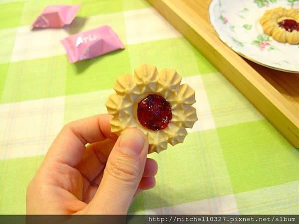 紅莓奶酪花餅02.JPG
